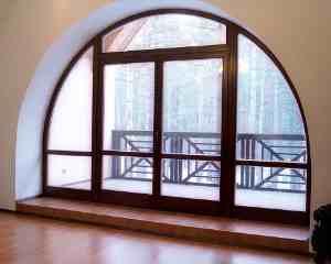 арочное окно пластиковое