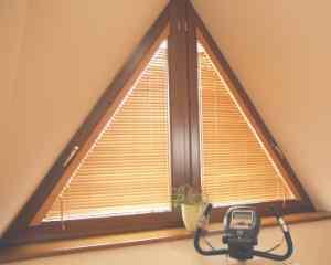 треугольное окно с ламинацией